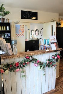 THE EASTWOOD RETREAT TOP HAIR & BEAUTY SALON IN EASTWOOD, NOTTS